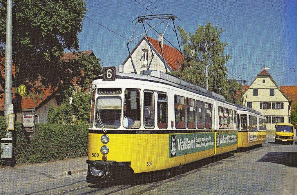 Ende 1990 wurde die Straßenbahn (im Bild am Wendehalt an der Hirschstraße) nach Echterdingen eingestellt. Nun wird über einen Wiederanschluss an die Schiene diskutiert. Foto: Archiv