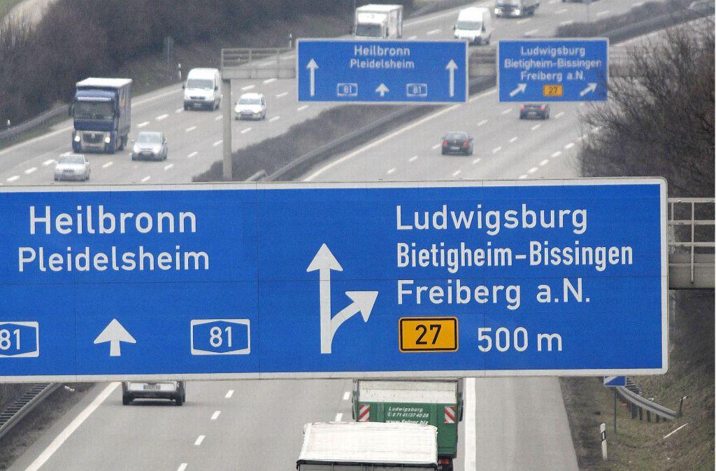 Vier statt drei Spuren in jede Richtung: Das könnte auf der A 81 bis 2022 Realitt sein. Foto: FACTUM-WEISE