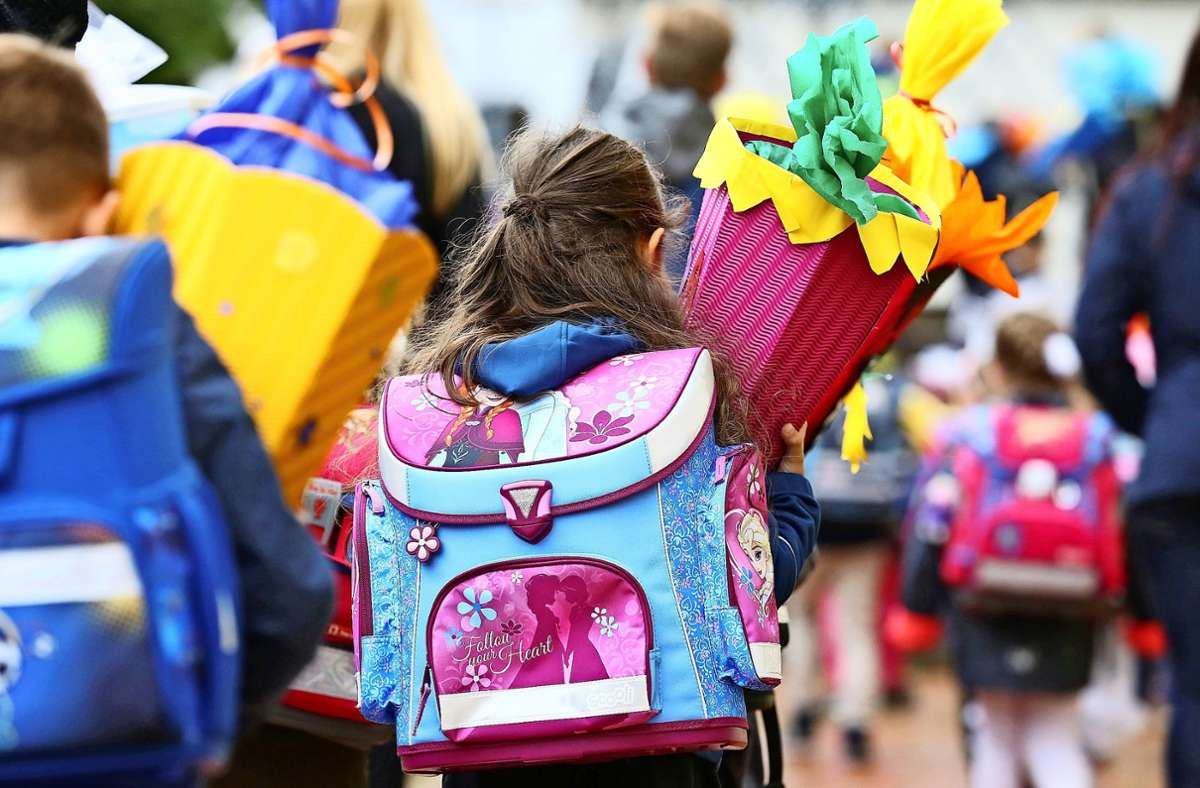 Die Einschulung der Erstklässler in diesem Jahr verläuft wegen der Corona-Pandemie anders als üblich. Foto: dpa/Thomas Warnack