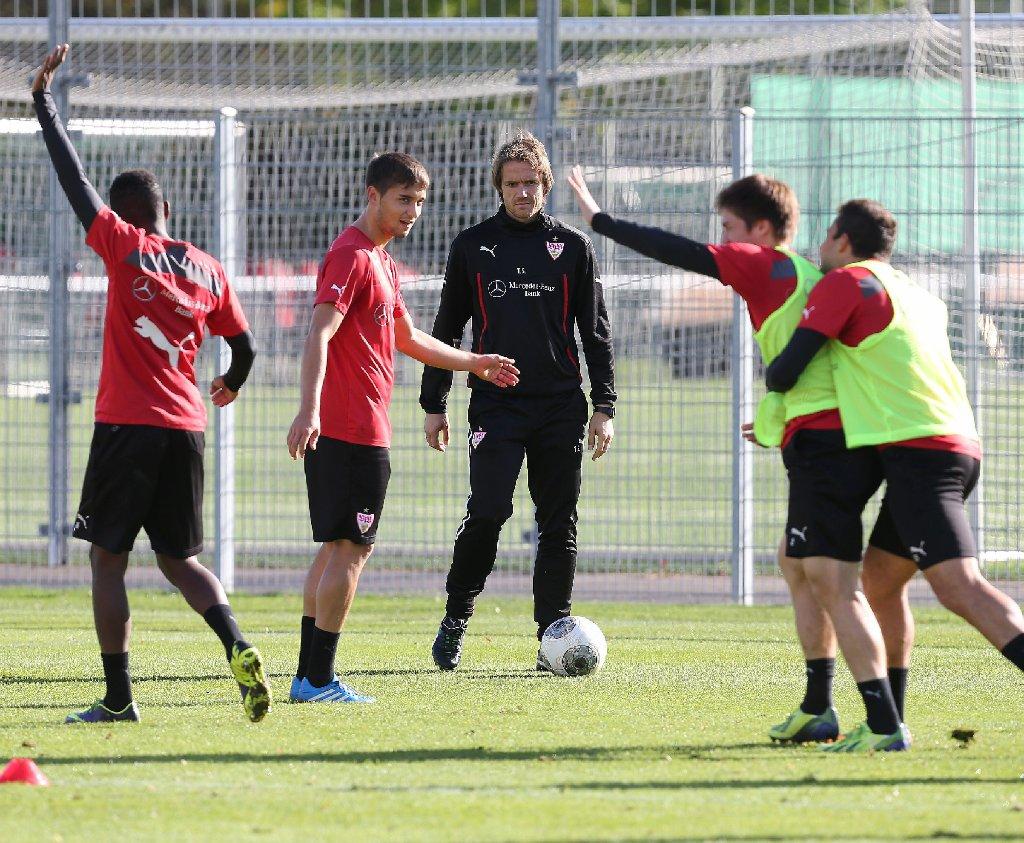 Der VfB Stuttgart muss am Freitagabend bei Borussia Dortmund ran - hier die Bilder vom Dienstag-Training. Foto: Pressefoto Baumann