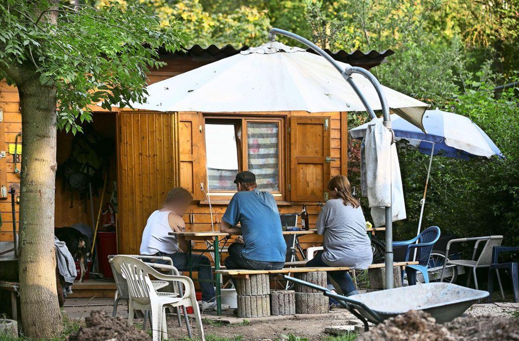 Das Berberdorf unterhalb der Esslinger Vogelsangbrücke bietet Obdachlosen Unterkunft. Foto: / Horst Rudel/Archiv