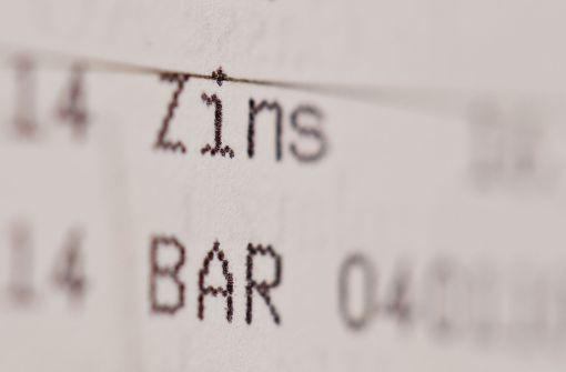Verbraucherzentrale mahnt Volksbank wegen Strafzinsen ab
