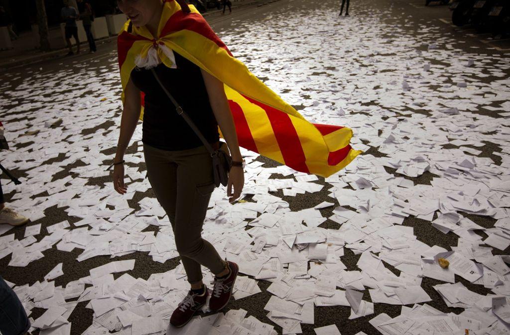 In den Protesten geht es um Verhandlungen mit katalanischen Separatisten. Foto: AP