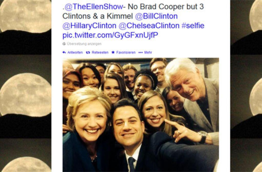 Bill, Hillary, Chelsea: Die komplette Familie Clinton auf diesem Selfie von Jimmy Kimmel. Foto: twitter.com/jimmykimmel