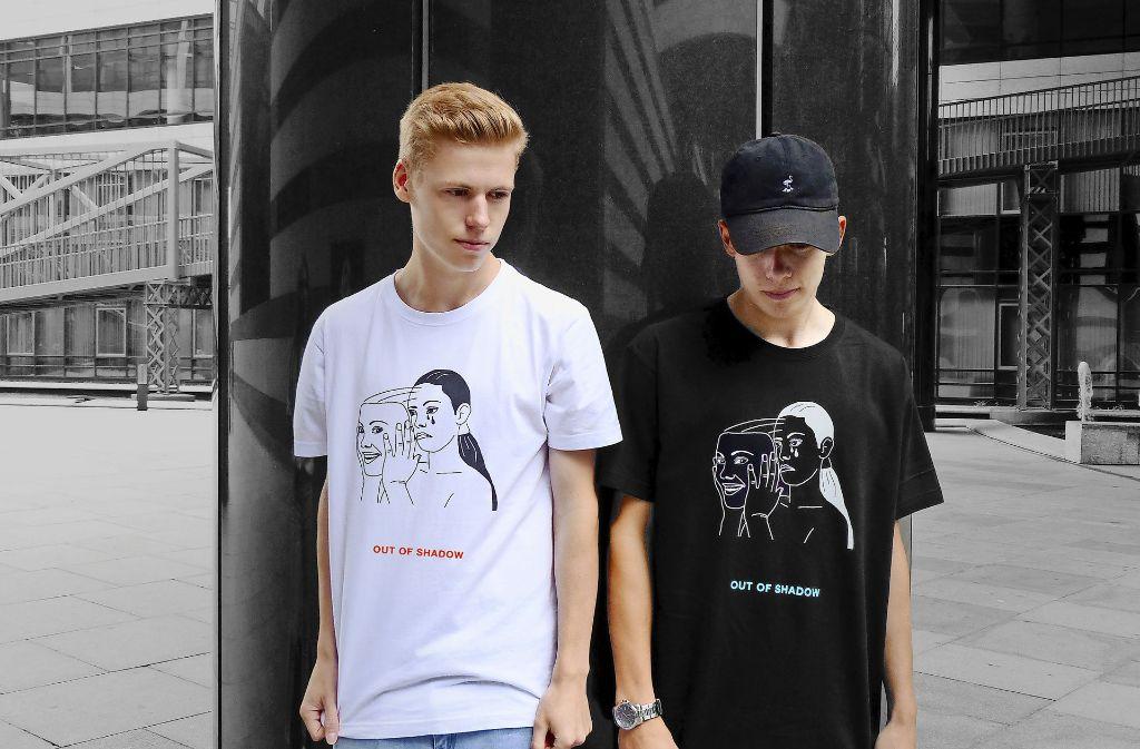 Julian (links) und Robin Gössele machen Mode aus dem Jugendzimmer. Foto: privat