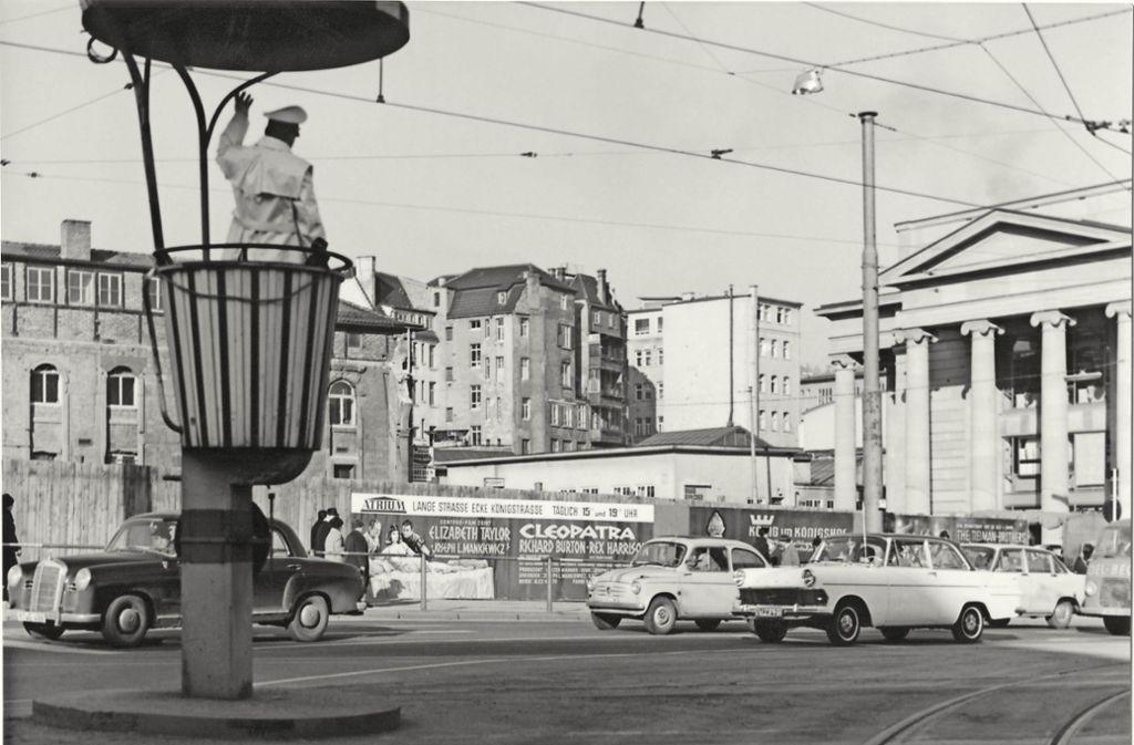 1963 ist dieses Foto entstanden, nachdem  das Kronprinzenpalais beim Königsbau  abgerissen worden war – heute befindet sich an dieser Stelle das Kunstmuseum. Foto: Privatarchiv Colm