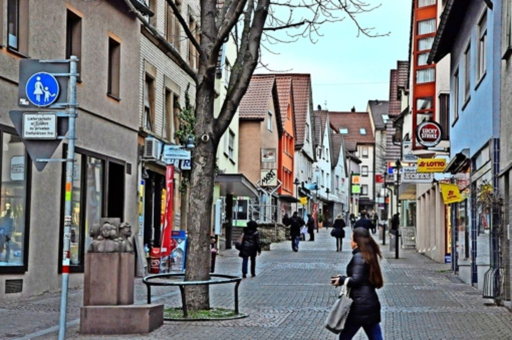 """Die Fußgängerzone in der Widdersteinstraße ist mit der größte Problembereich in der viel beklagten  """"Abwärtsspirale"""" des Stadtbezirks. Foto: Georg Linsenmann"""