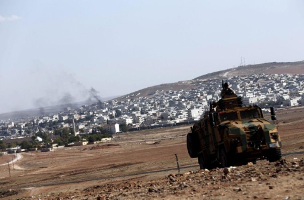 In der unkämpften Stadt Kobane richten die IS-Milizen Greueltaten an. Foto: dpa