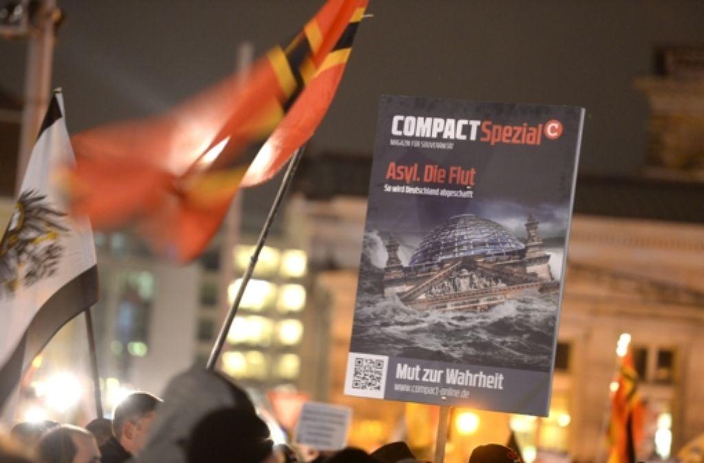 """Eine Ausgabe der Zeitschrift """"Compact"""" wurde in einem Streifenwagen entdeckt. Foto: dpa-Zentralbild"""