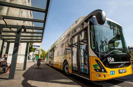 SSB schicken ersten vollelektrischen Gelenkbus auf die Strecke