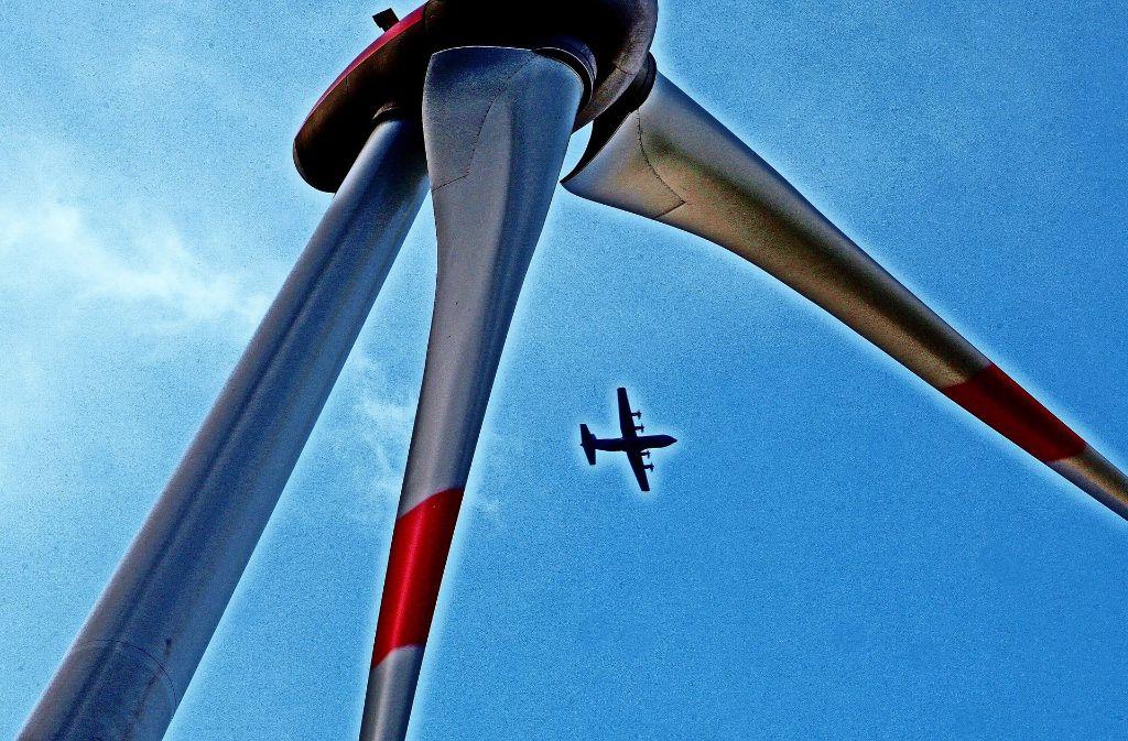 Ein Hindernis für Flugzeuge war das Windkraft-Projekt am Leonberger Frauenkreuz. Darauf hoffen auch die Gegner im Enzkreis. Foto: dpa