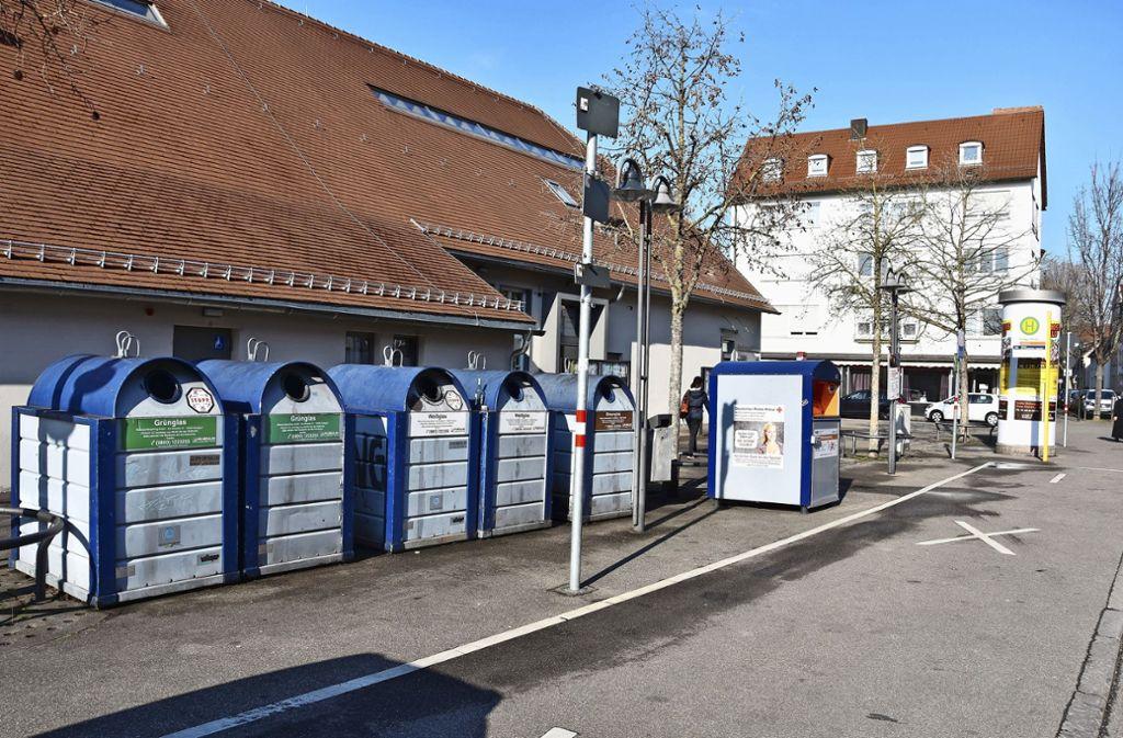 """Das """"wilde"""" Durcheinander auf dem Keltervorplatz soll der Vergangenheit angehören. Foto: Kuhn"""