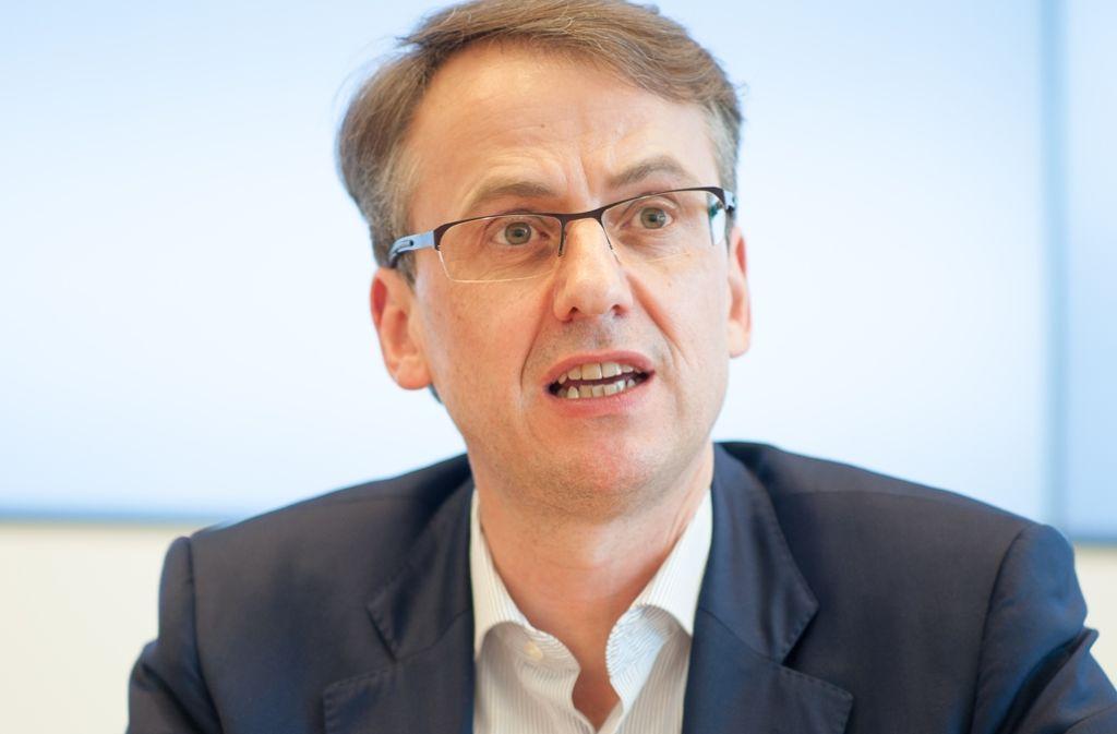 Finanzbürgermeister Michael Föll: Neue Stellen nur, wenn der Bedarf vordinglich und unabweisbar ist. Foto: Lichtgut/Leif Piechowski