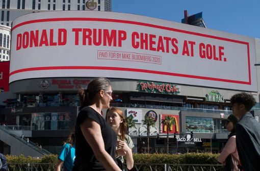 Michael Bloomberg verhöhnt US-Präsident Trump auf Riesen-Plakaten