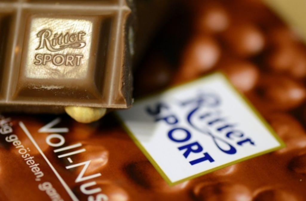 Im Streit um Aromastoffe in Ritter-Sport-Schokolade wehrt sich der Aromenhersteller Symrise gegen Vorwürfe der Stiftung Warentest.  Foto: dpa