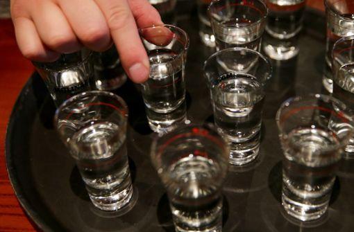 Jugendliche trinken deutlich seltener regelmäßig  Alkohol