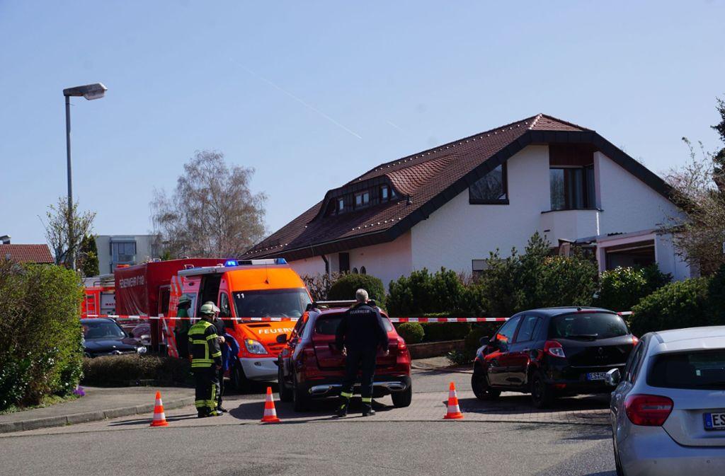 Am Sonntagvormittag entdeckte die Feuerwehr eine Leiche bei Löscharbeiten in Neuhausen auf den Fildern. Foto: SDMG