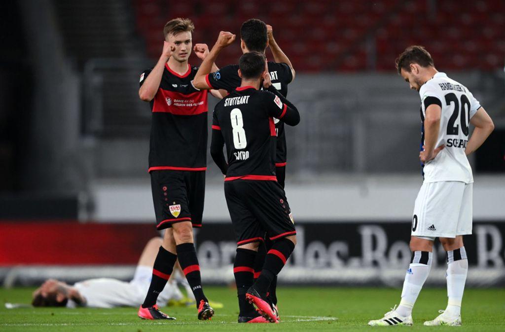 Im direkten Duell behielt der VfB Stuttgart gegen den Hamburger SV die Oberhand. Das Restprogramm der Aufstiegskandidaten im Überblick. Foto: dpa/Matthias Hangst