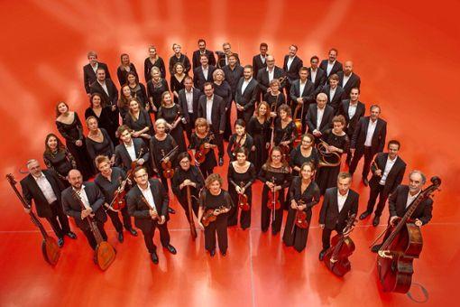 Die Gaechinger Cantorey serviert beim Musikfest der Internationalen Bachakademie Stuttgart 2021 mehrere musikalische Köstlichkeiten.