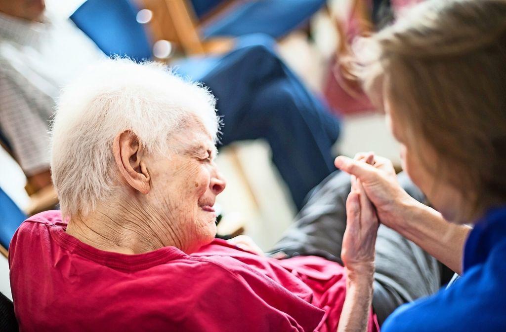 Die Begleitung von  behinderten Menschen an deren Lebensende  ist herausfordernd Foto: Rost