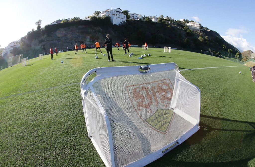 Der optimaler Trainingsplatz für den VfB Stuttgart am Fuße der Sierra Blanca. Foto: Pressefoto Baumann/Hansjürgen Britsch