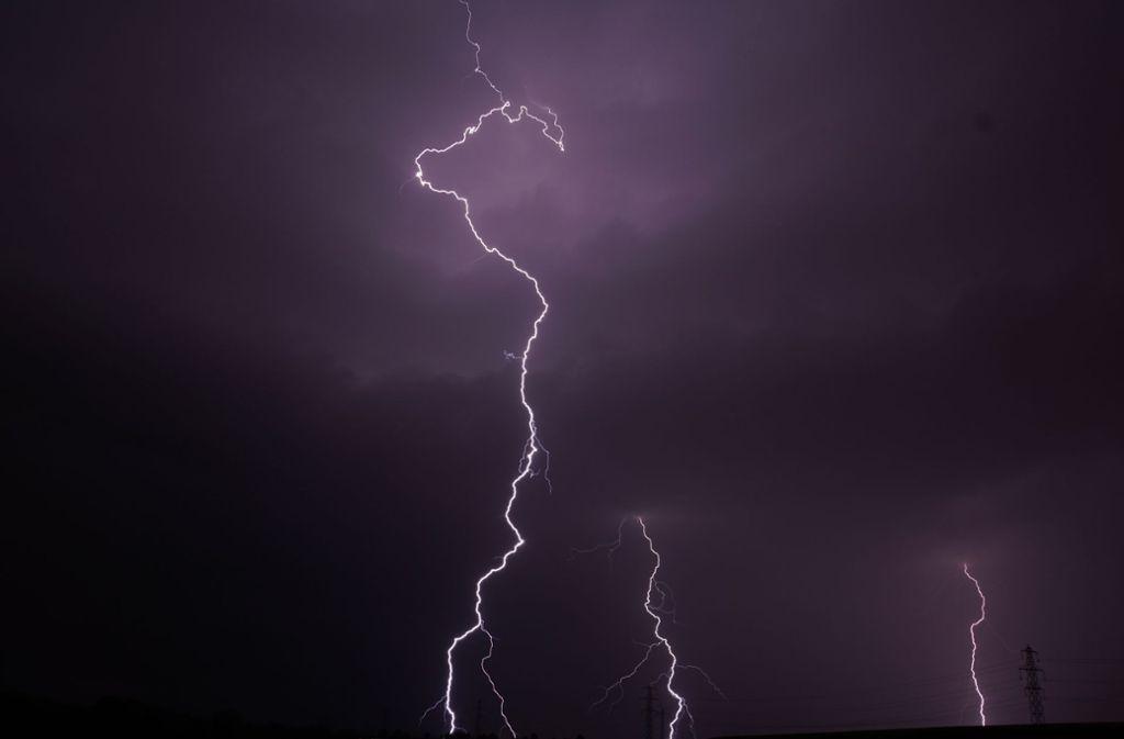 In Schwieberdingen im Kreis Ludwigsburg war das Gewitter besonders stark. Foto: Andreas Rosar Fotoagentur-Stuttg