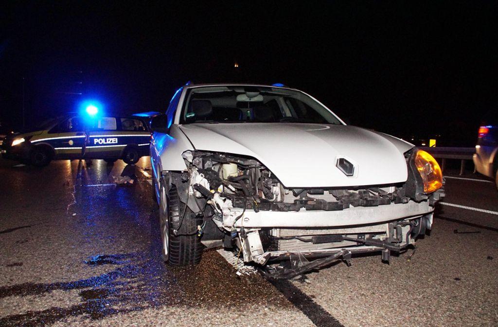 Kurz vor der Gaisburger Brücke zog ein 22-Jähriger seinen Wagen nach links und stieß dabei mit dem Lastwagen eines 31-Jährigen zusammen. Foto: Andreas Rosar Fotoagentur-Stuttg