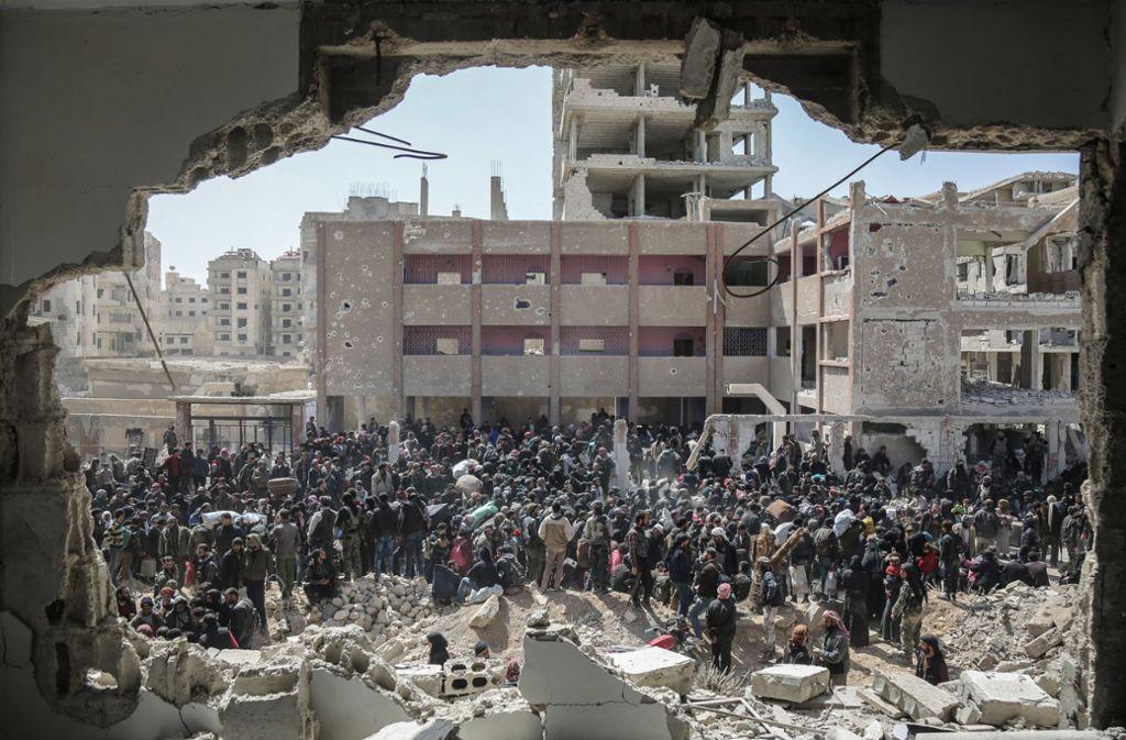 Syrien bedeutet Zerstörung und Gewalt – die alte Heimat der Flüchtlinge gibt es praktisch nicht mehr. Foto: dpa