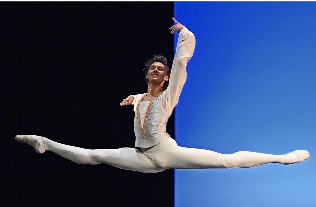 Anhaltender Höhenflug: Der Brasilianer Gabriel Figueredo gewinnt einen Wettbewerb nach dem anderen und macht beste Werbung für die Cranko-Schule. Foto: Stuttgarter Ballett