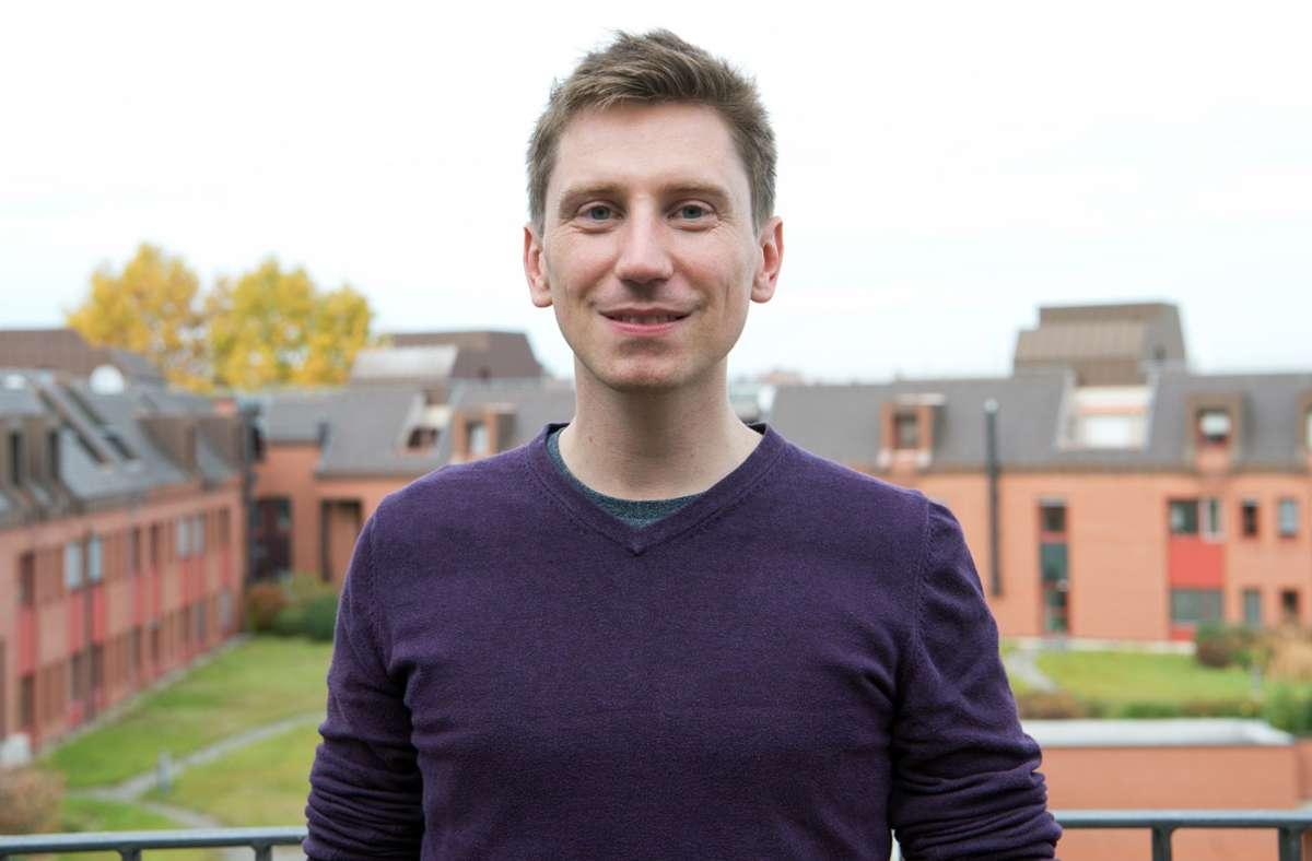 Der 33-jährige Linken-Stadtrat Christoph  Ozasek will Martin Schairer (CDU) als Ordnungsbürgermeister beerben. Foto: Lichtgut/Oliver Willikonsky