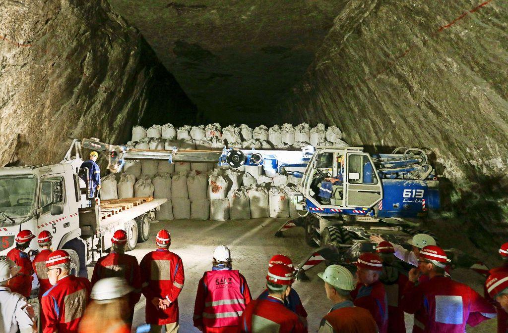 Mehr als eine Million Säcke mit Schlacke aus Müllverbrennungsanlagen und anderem Giftmüll sind seit 1987 in den Heilbronner Salzstollen eingelagert worden. Foto: factum/Granville