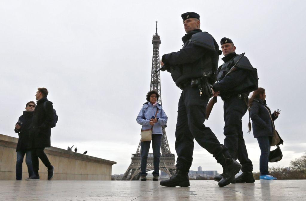 Frankreich hat den Ausnahmezustand zur Terror-Abwehr verlängert. Foto: DPA