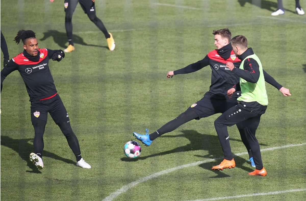 Teil des neuen VfB-Mannschaftsrats: Daniel Didavi, Sasa Kalajdzic, Waldemar Anton (v.li.) Foto: Baumann/Alexander Keppler