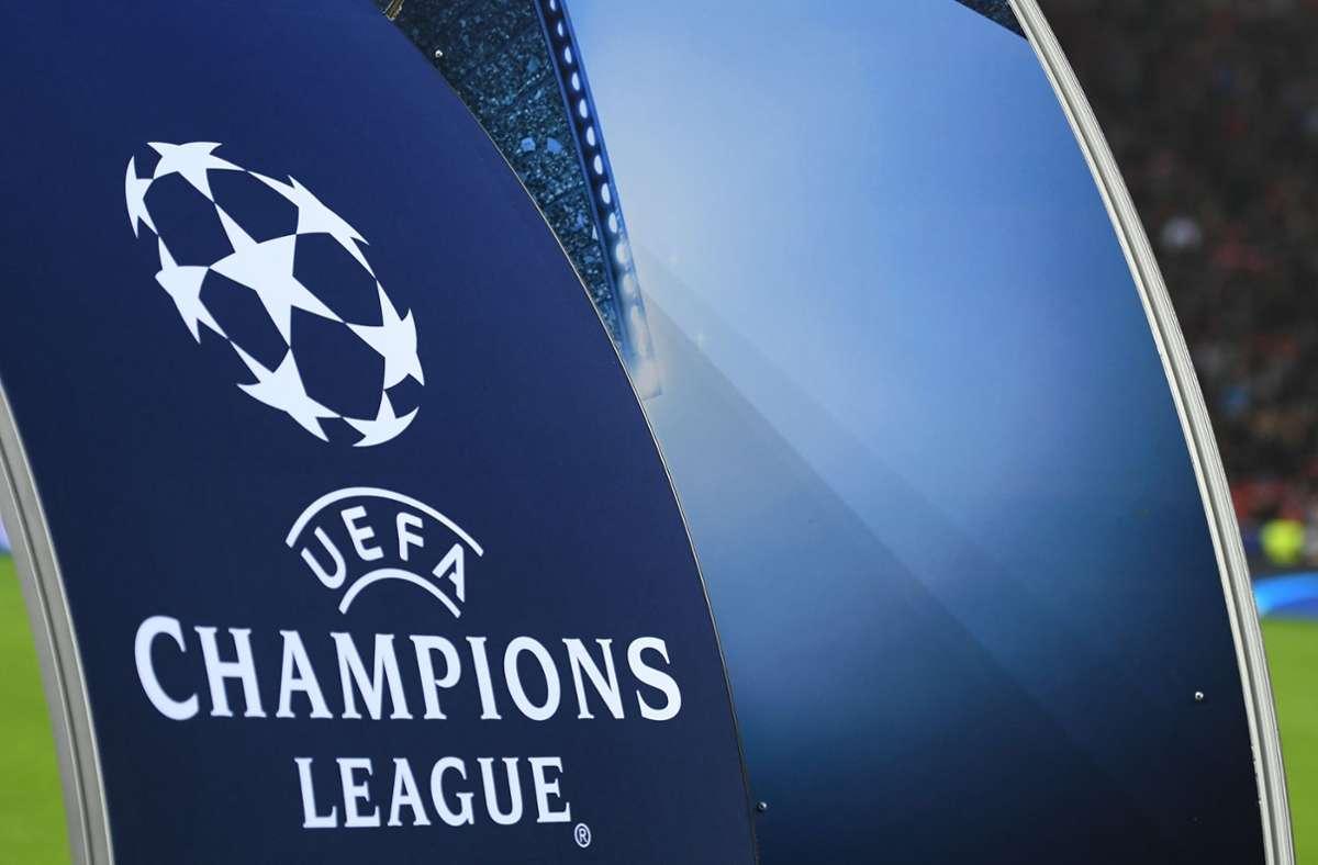 Am Montag besprach sich die UEFA mit der britischen Regierung und dem Fußballverband FA zu dem Thema. (Archivbild) Foto: dpa/Marius Becker