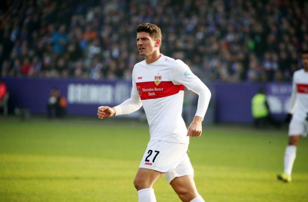 Mario Gomez ist heiß auf einen Einsatz gegen den Karlsruher SC. Foto: imago//Robin Rudel