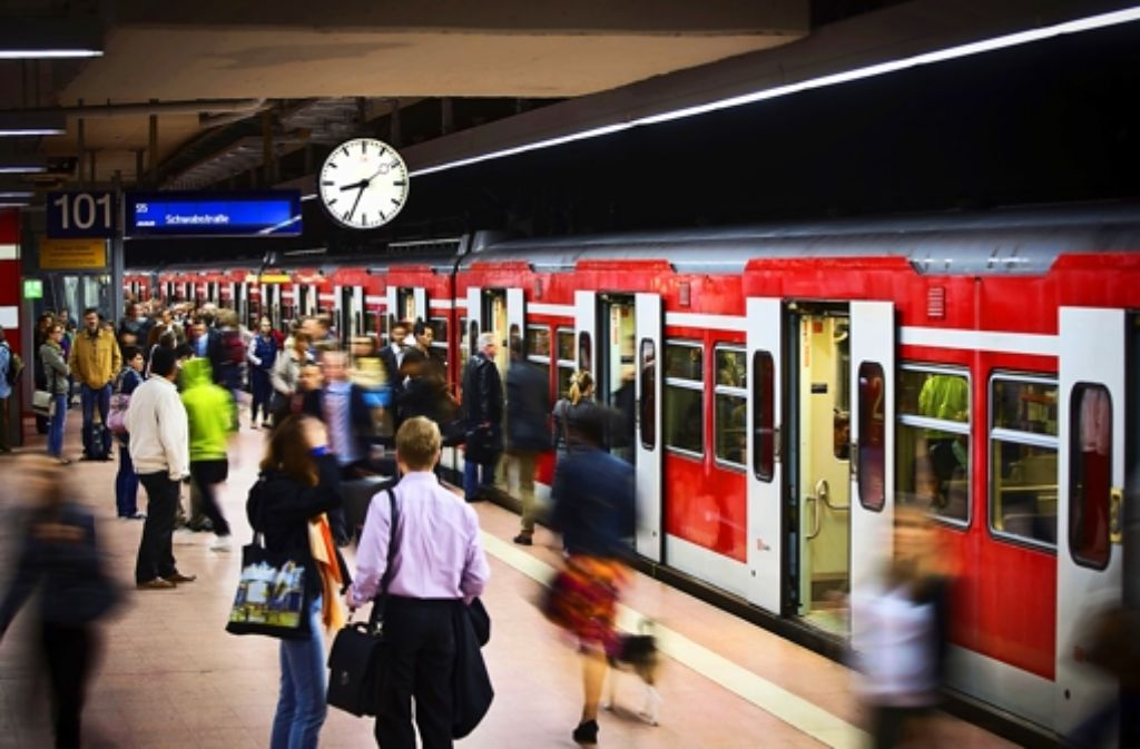 Nach Meinung des VCD sollten auch S-Bahn-Kunden für die Pannen im Stuttgarter Netz finanziell entschädigt werden. Foto: Achim Zweygarth