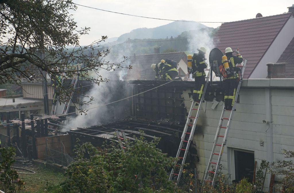 Das Feuer hatte auf den Dachstuhl übergegriffen. Foto: SDMG/SDMG / Woelfl