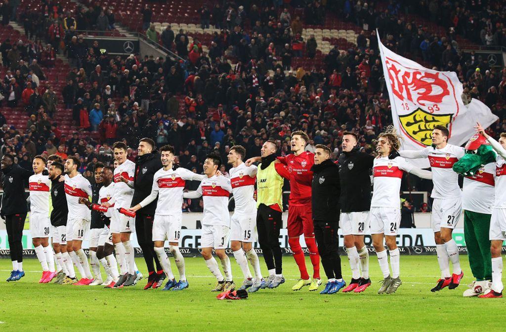 Die VfB-Spieler bejubelt das 3:0 gegen den 1. FC Heidenheim – wann haben sie wieder Grund zur Freude? Foto: Pressefoto Baumann