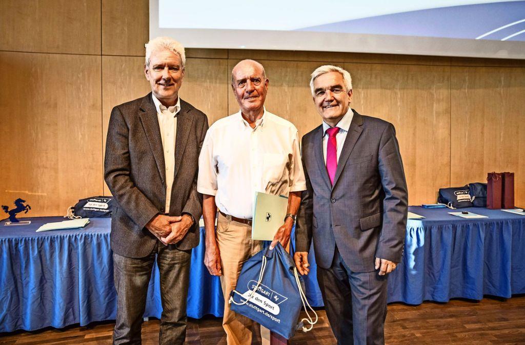 Auch Walter Goebel wurde für sein 45. Sportabzeichen geehrt. Foto: Lichtgut/Julian Rettig