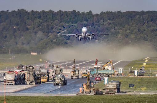 Erstes Flugzeug nach Sanierung gelandet