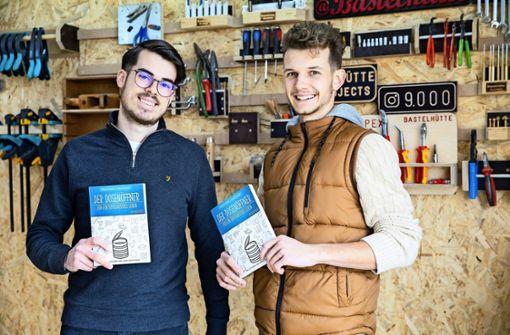Zwei Jungs aus dem Gäu schreiben ein Buch für junge Erwachsene