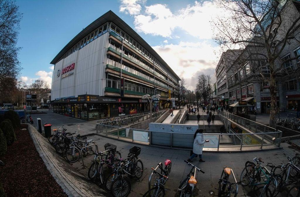 Auf der Königstraße wurde ein 18-Jähriger überfallen. Foto: Lichtgut/Max Kovalenko