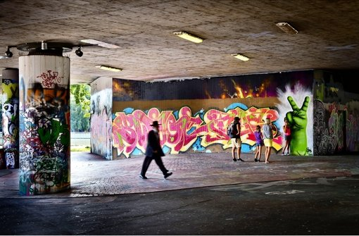 urban art in stuttgart wenn street art zur gro en oper wird kunst konzerte stuttgarter. Black Bedroom Furniture Sets. Home Design Ideas