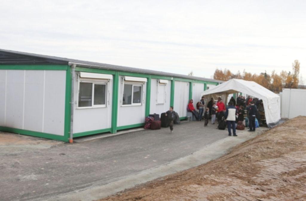 Mehrkosten für Flüchtlingsunterkünfte wie hier im thüringischen Weida sollen sich nicht negativ auf die Defizite der Euroländer auswirken. Foto: dpa