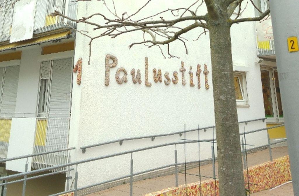 Zum Paulusstift, einer Mutter-Kind-Einrichtung im Stuttgarter Osten, gehören Wohnungen, eine Kita und ein Kinder- und Familienzentrum Foto: Jürgen Brand