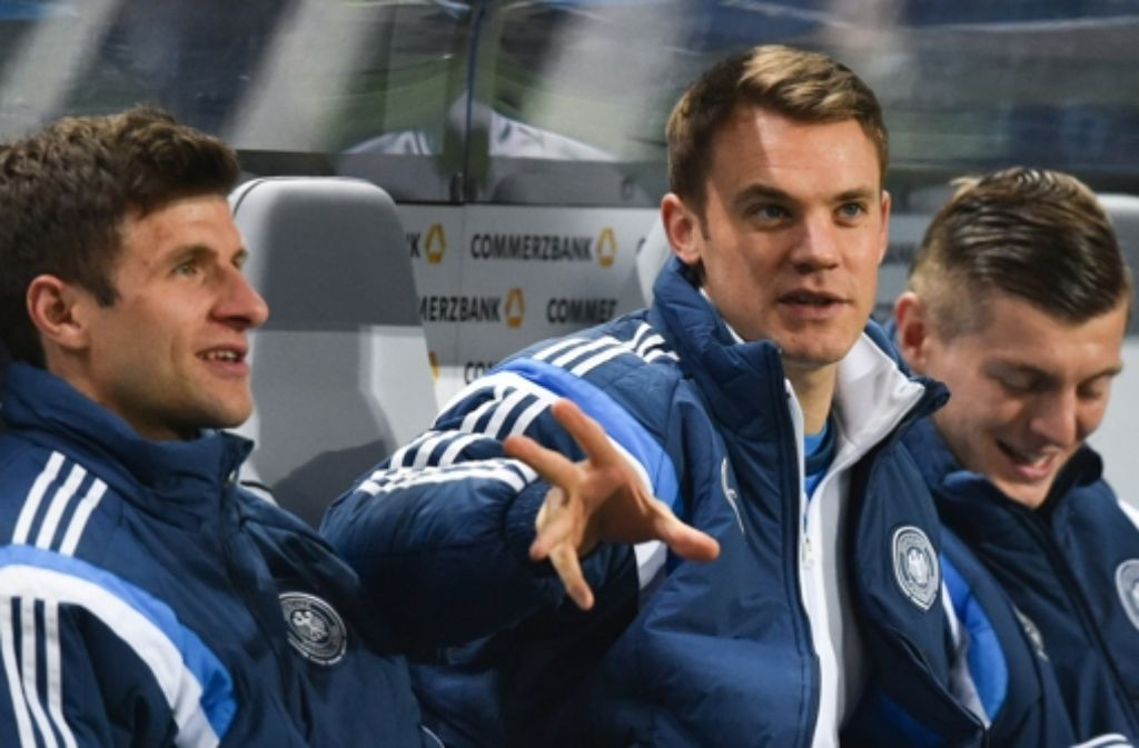 Von links: Thomas Müller, Manuel Neuer und Toni Kross haben als einzige Deutsche die Chance, Weltfußballer 2015 zu werden. Foto: dpa