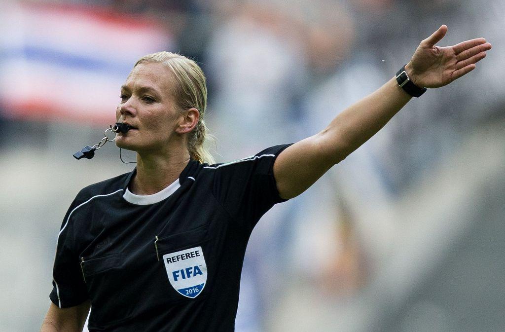 Fußball-Schiedsrichterin Bibiana Steinhaus Foto: dpa