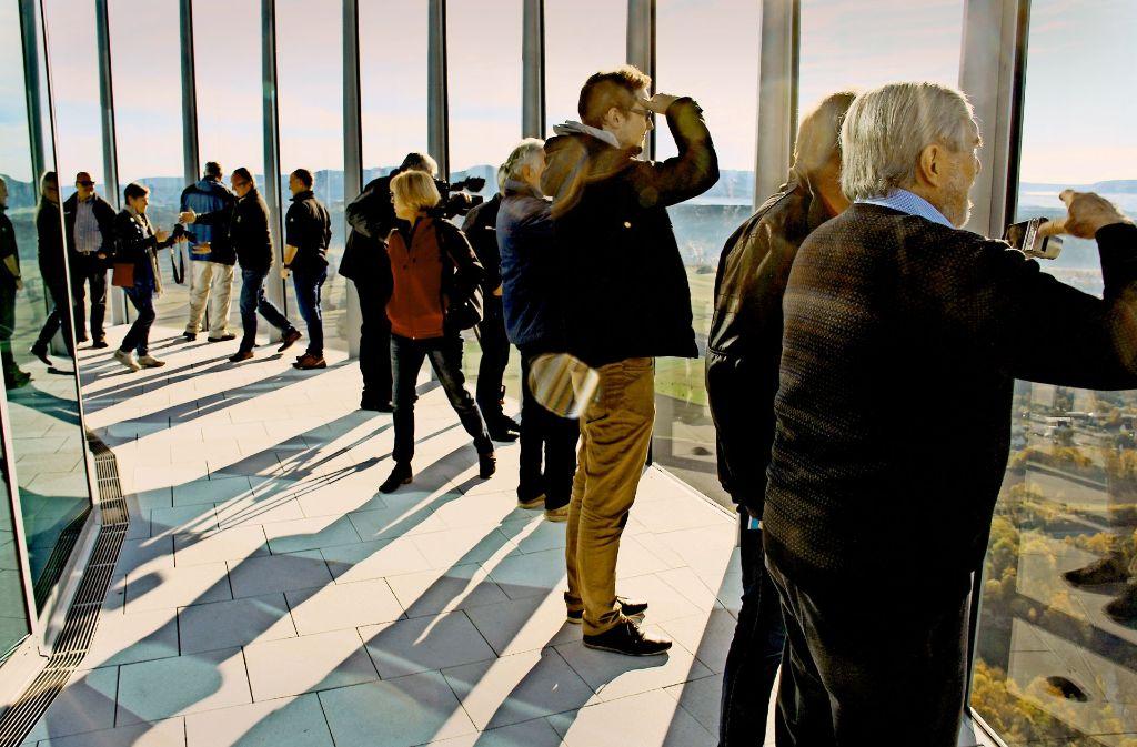 Der Blick reicht weit auf der Aussichtsplattform. Foto: Anja Schmidt