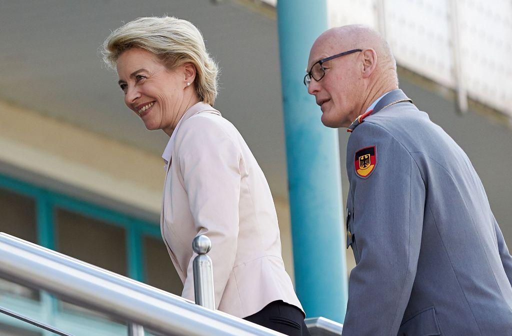 Verteidigungsministerin Ursula von der Leyen steht wegen der Bundeswehr-Affäre in der Kritik. Foto: dpa