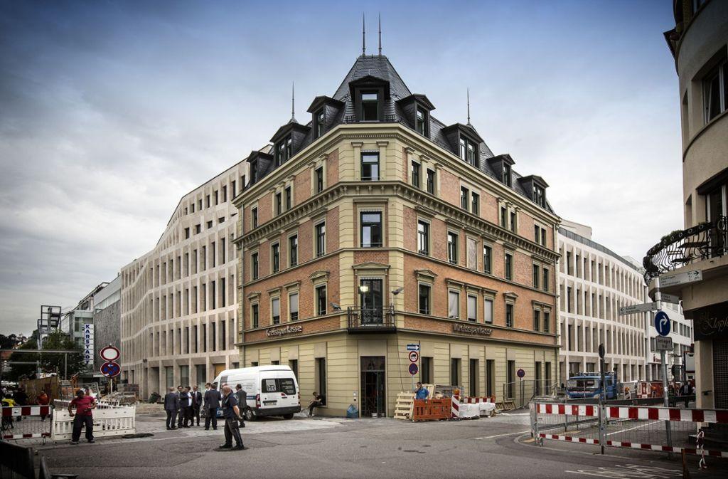 Das Haus der Kunden in Esslingen ist im vergangenen Sommer eingeweiht worden. Die öffentliche Tiefgarage mit rund 150 Parkpläzten soll ab Anfang Mai zur Verfügung stehen. Foto: Horst Rudel
